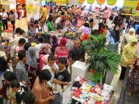 Jelang Puasa, Pusat Perbelanjaan Diserbu Pengunjung