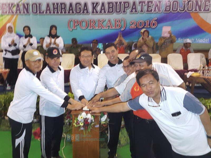 Kecamatan Bojonegoro Kota Raih Juara Umum