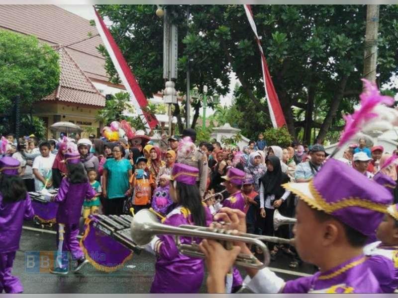 Inilah Juara Lomba Kirab Drum Band 2016