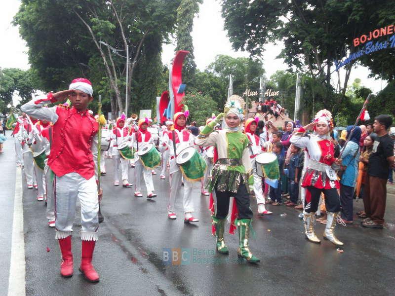 Wakapolres Berangkatkan Peserta Kirab Drum Band