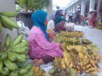 Tiap Pon dan Kliwon, Pisang dari Tambakrejo Banjiri Pasar Padangan