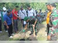 Dandim Pimpin Gerakan Tanam Pohon di Jalur Bojonegoro-Ngawi