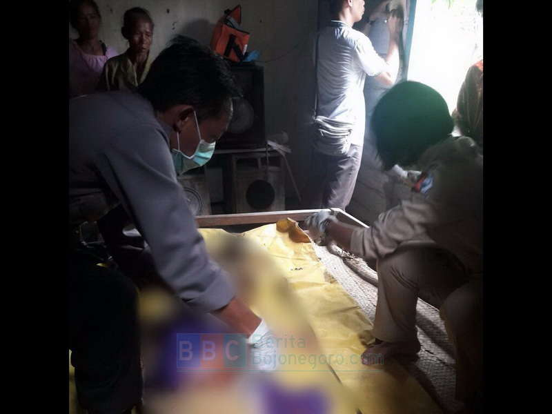 Seorang Nenek Tewas Gantung Diri di Kawasan Hutan Margomulyo