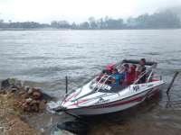 Serunya Naik Perahu Motor di Telaga Sarangan