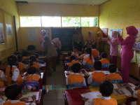 Ketua Bhayangkari Cabang Bojonegoro Kunjungi TK Kemala Sugihwaras