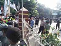 Aliansi 10 Desa Karang Taruna Ring 1 PT Semen Indonesia Gelar Unjuk Rasa