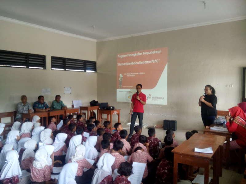 Gemar Membaca Bersama PEPC Digelar di SDN Bandungrejo 1 dan 2