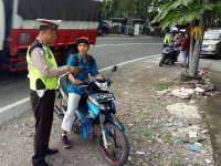 Respon Permintaan Warga, Polisi Lakukan Razia Kendaraan Bermotor di Baureno