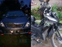 Tak Hati-Hati Potong Jalan, Motor Revo Ditabrak Kijang Innova di Padangan