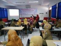 35 Guru SD Dilatih Menyusun Karya Tulis Ilmiah Berbasis Teknologi Informasi