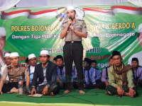 Malam Sholawat dan Berdoa Tiga Pilar Kamtibmas Bersama KH Anwar Zahid
