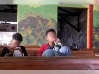 Melihat Kebiasaan Pelajar Nongkrong di Warkop Selepas Sekolah