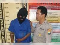Seorang Warga Kelurahan Karang Pacar Ditangkap Polisi Karena Kedapatan Miliki Sabu