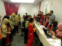 Siswa Club Jurnalis Ahmad Dahlan Berkunjung ke Pameran Foto dan Workshop