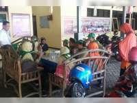 Belajar Ilmu Polisi, Siswa SD Muhammadiyah 2 Bojonegoro Kunjungi Mapolsek Kota
