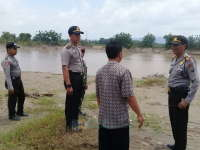 Cegah Konflik Tambang Pasir, Kapolsek Kanor Koordinasi dengan Kapolsek Rengel