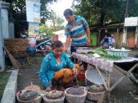 Mbah Masripah, 25 Tahun Membuat Kue Serabi dan Berjualan di Telon Tobo