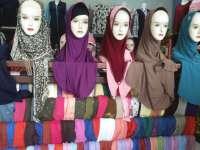 Lebih Simpel, Jilbab Instan Jadi Andalan Pelajar