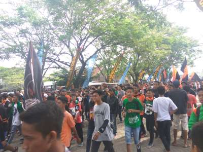 Antusisasme Pendukung Persibo di Stadion Letjend H Soedirman