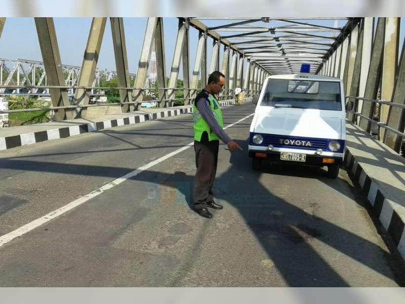 Motor Terlindas Truk di Padangan, Pembonceng Motor Meninggal Dunia di TKP