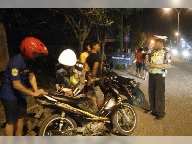Polres Bojonegoro Tilang 225 Supporter Pelanggar Lalu Lintas, 147 Motor Ditahan