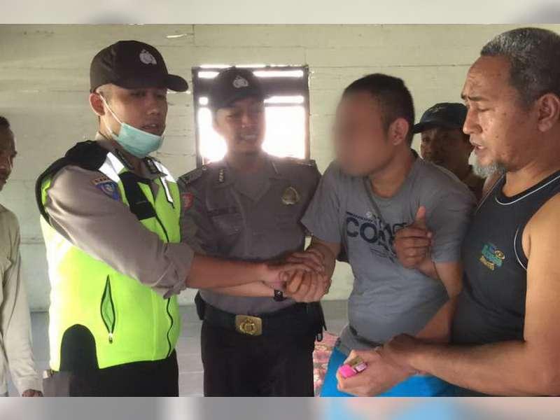 Seorang Penderita Gangguan Jiwa di Kanor Mengamuk Diamankan Polisi