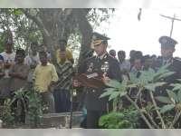 Kapolres Bojonegoro Takziah dan Pimpin Upacara Pemakaman Anggota