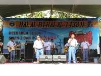 Grup Band Humor Pecas Ndahe, Pukau Ribuan IKASMANDA Dalam Acara Halal Bilahal