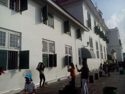 Menikmati Senja di Jakarta