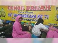 Peringati HUT Bhayangkara Ke-71, Polres Bojonegoro Gelar Donor Darah