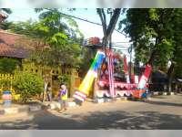 Pedagang Bendera Hias Mulai Marak di Bojonegoro