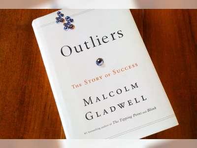 Peluang Sukses dengan Outliers di Sekitar Kita