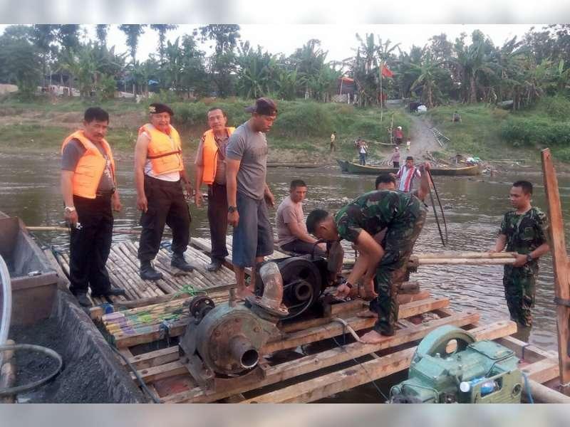 Polsek Padangan Gelar Operasi Sedot Pasir yang Menggunakan Mesin Ganda