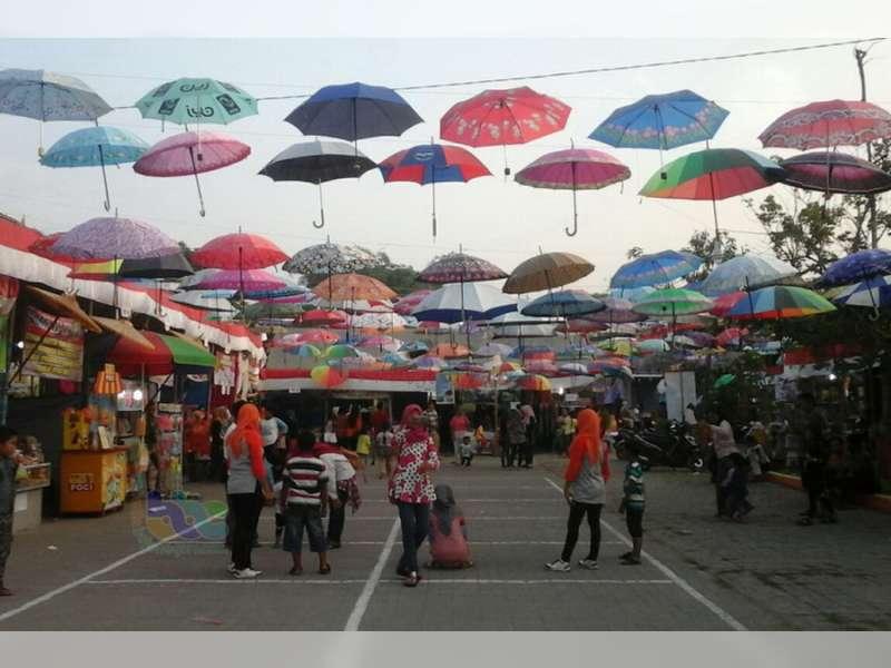 Festival Payung Desa Mojodeso Kapas, Ramai Didatangi Pengunjung