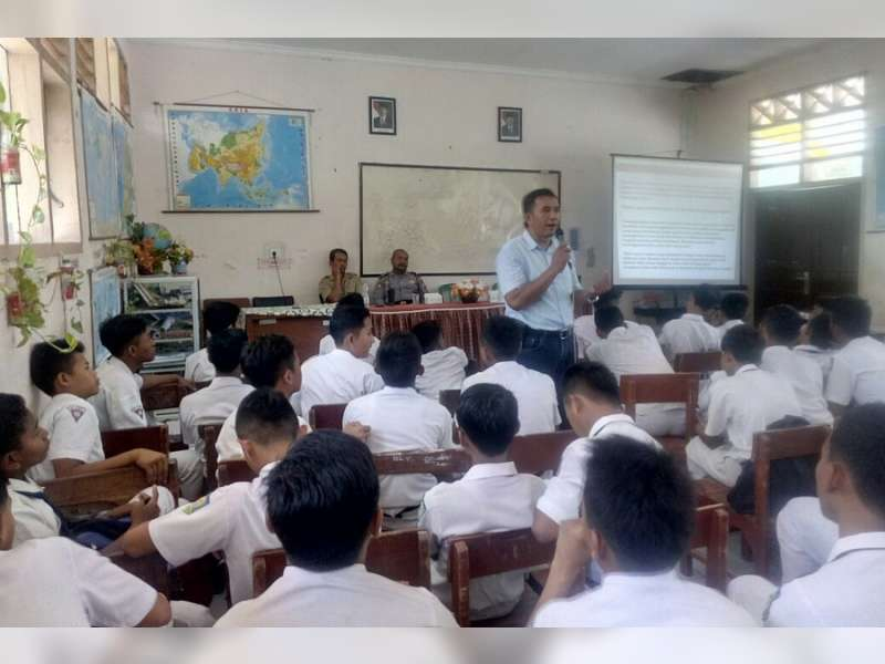 Sat Narkoba Polres Bojonegoro Berikan Penyuluhan Pada Siswa SMPN 1 Margomulyo