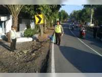 Pejalan Kaki di Margomulyo Babak Belur Diserempet Bus
