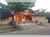 Diduga Korsleting Listrik Kantor Teras BRI Prambontergayang Ludes Terbakar