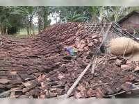 Satu Rumah Warga Rata Dengan Tanah Diterjang Angin Puting Beliung