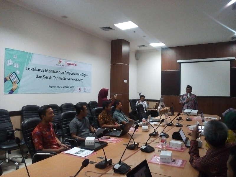 11 Pustakawan Sekolah Ikuti Lokakarya Perpus Digital RTIK dan EMCL