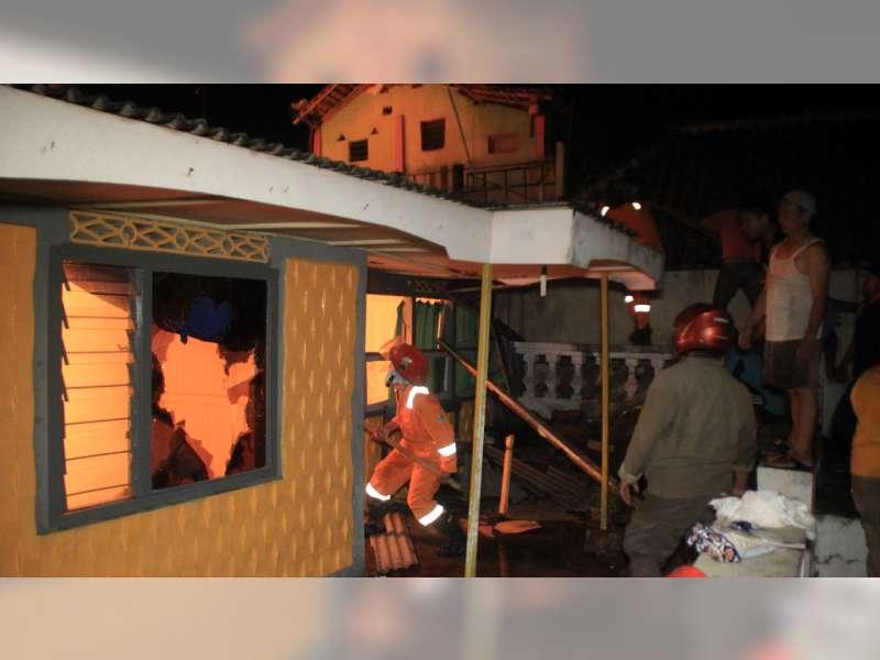 Diduga Akibat Korsleting Listrik, Satu Rumah di Blora Ludes ,Terbakar