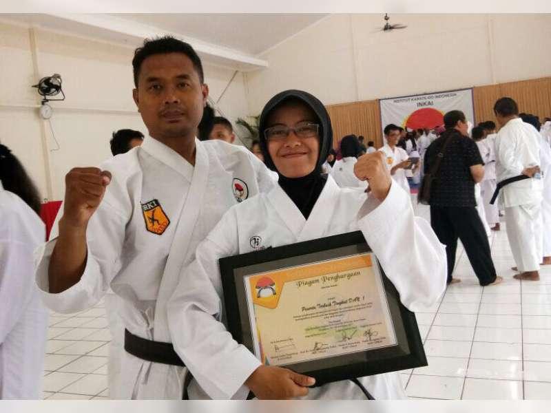 Bripda Lindha Rahmawati, Polwan Cantik yang Jago Karate