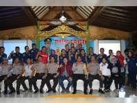 Kapolres Bojonegoro Jagongan Dengan Netizen dan Awak Media
