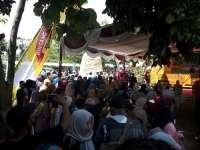 Ratusan Warga Ramaikan Festival Belimbing Ngringinrejo