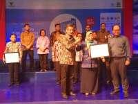 Dinkop dan UM Bojonegoro Terima ICSB Indonesia Presidential Award