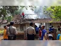 Diduga Akibat Obat Nyamuk Bakar, Rumah Warga Malo Ludes Terbakar