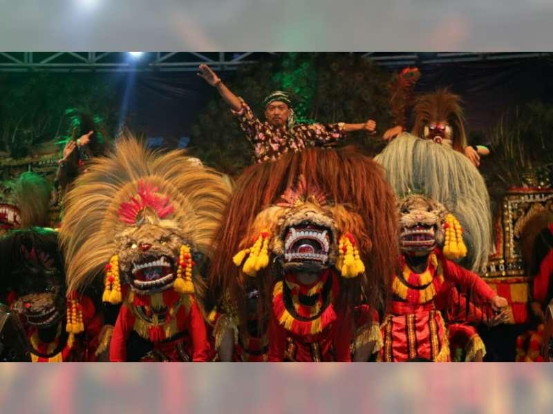 Festival Barong Nusantara IV Pukau Masyarakat Blora