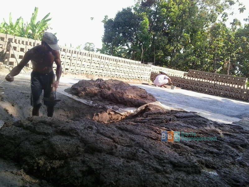 Musim Hujan Turunkan Omset Pengusaha Batu Bata