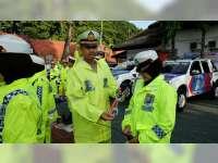 Jelang Libur Panjang, Kasat Lantas Polres Bojonegoro Cek Kelengkapan dan Kesiapan Anggota