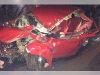Kurang Konsentrasi, Honda Brio Seruduk Truk di Tuban, Pengemudi Luka Ringan