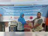 EMCL Serahkan Bantuan Paket Sembako pada Korban Banjir di Bojonegoro